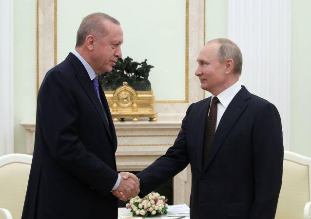 پوتین: توافقات با اردوغان، اساس خوبی برای بهبود وضعیت در ادلب بوده میتواند