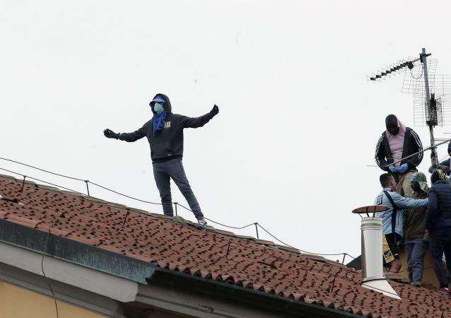 موجی از اعتراضات در زندان های ایتالیا پس ار انتشار کروناویروس