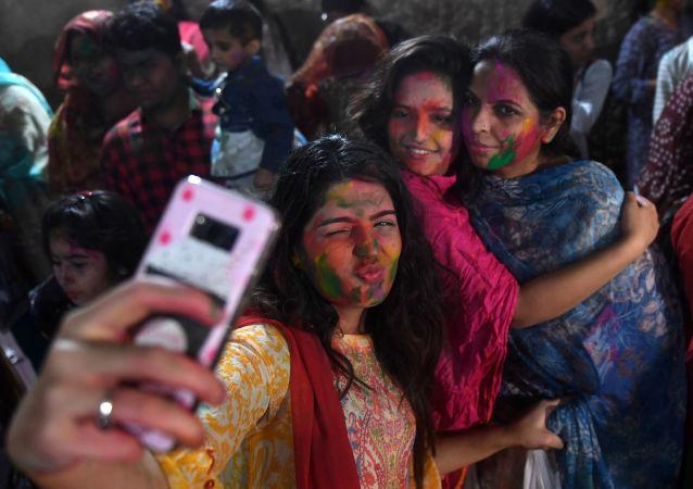 پاکستان یک معبد هندوها را در این کشور بازسازی می کند