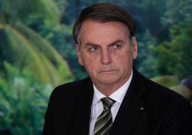 رییس جمهور برازیل خبر ابتلا به کرونا را تکذیب کرد