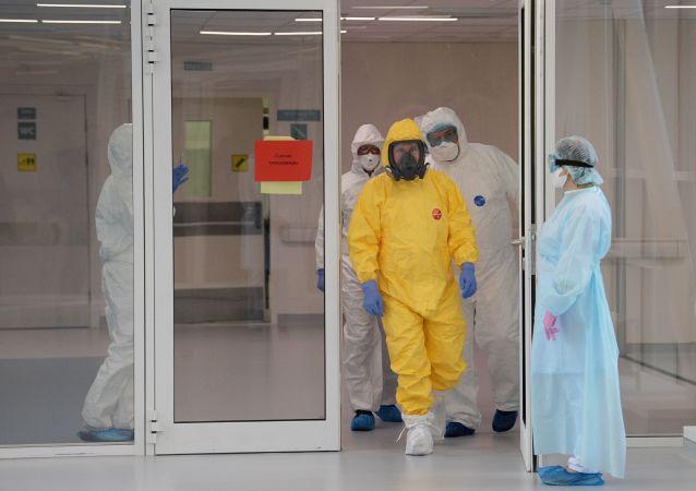ارزش لباس ویژه زرد ضد کرونایی پوتین فاش شد