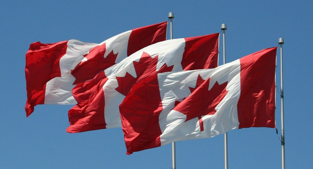 ظاهر شدن بدون لباس نمایندۀ کانادا در مجلس + عکس