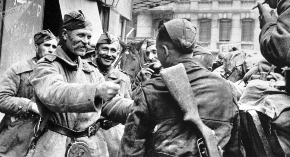 مورخ روس: انگلیس ها هزاران اسیر شوروی را در سال 1945 کشته اند