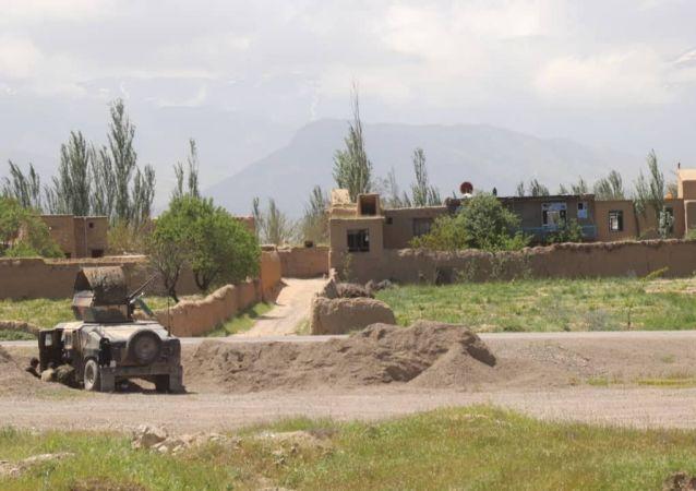 منبع: عروس طاهر یولداش برای سربازگیری با 10 خانواده ازبکستانی وارد افغانستان شده است