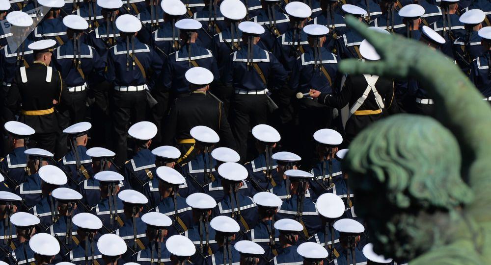 رژه نظامی بزرگداشت از هفتاد و پنجمین سالگرد پیروزی در جنگ جهانی دوم + ویدئو