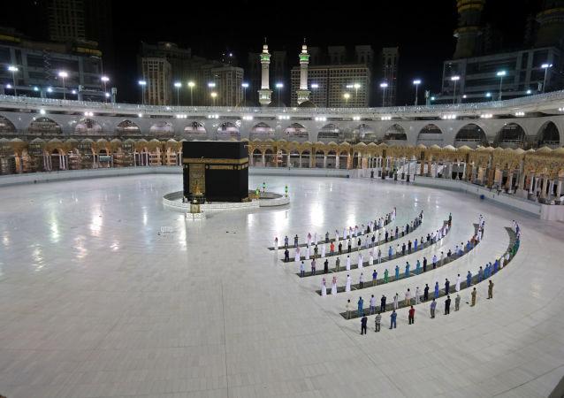 عربستان مراسم حج برای خارجیان را لغو کرد