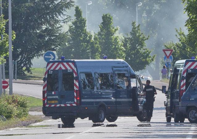 بازداشت هفت فرد دیگر در پرونده قتل معلم فرانسوی