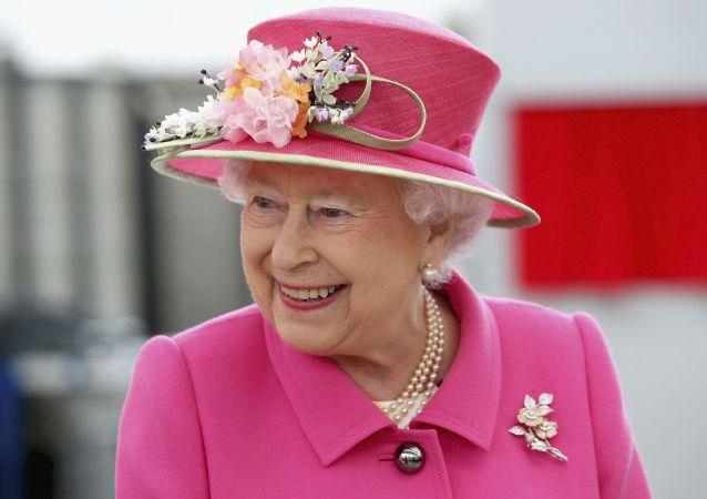 ملکه انگلیس بایدن را به یاد مادرش انداخت