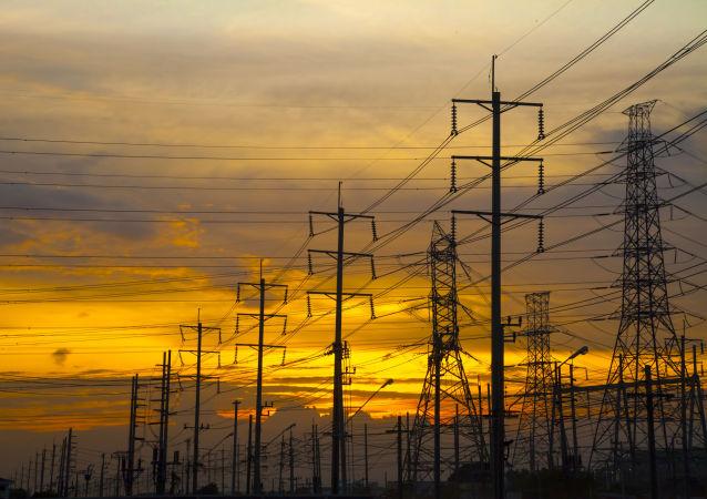 پس از قطعی گسترده، برق پاکستان دوباره آمد