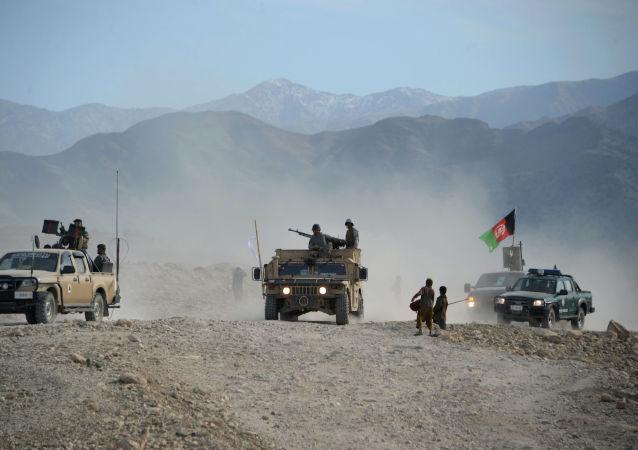 کشته شدن سه کودک در درگیری نیروهای دولتی و طالبان در میدانوردک
