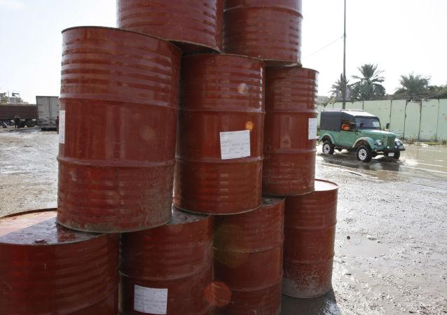 تحلیلگر: ممکن است قیمت نفت زیر صفر سقوط کند