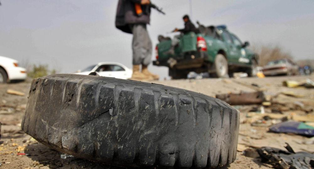 انفجار در شهر چاریکار موتر مسافربری را هدف قرار داد