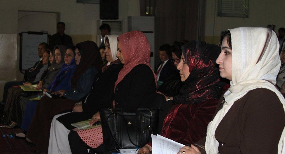 آزار و اذیت جنسی مانع اصلی کار زنان در ادارات