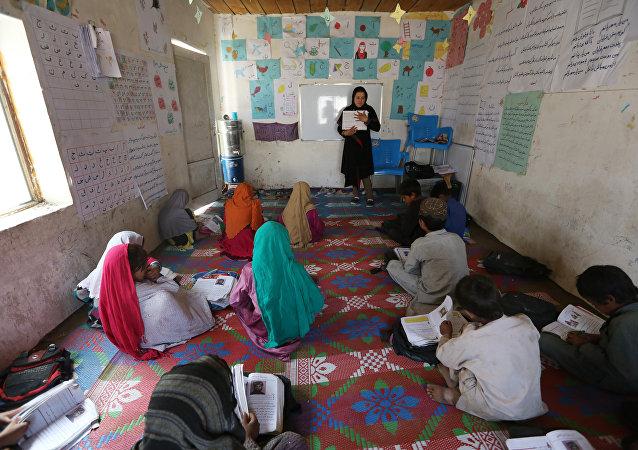 روزانه هزار و صد کودک از رفتن به مکتب محروم میشوند