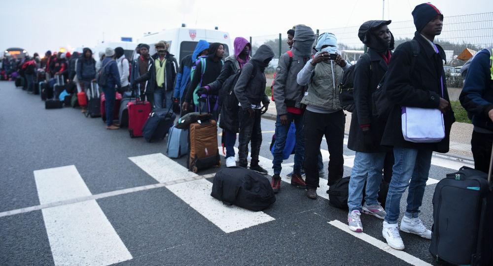 یک مقام اتحادیه اروپا: پناهجویان بیشتری از افغانستان باید پذیرفته شوند